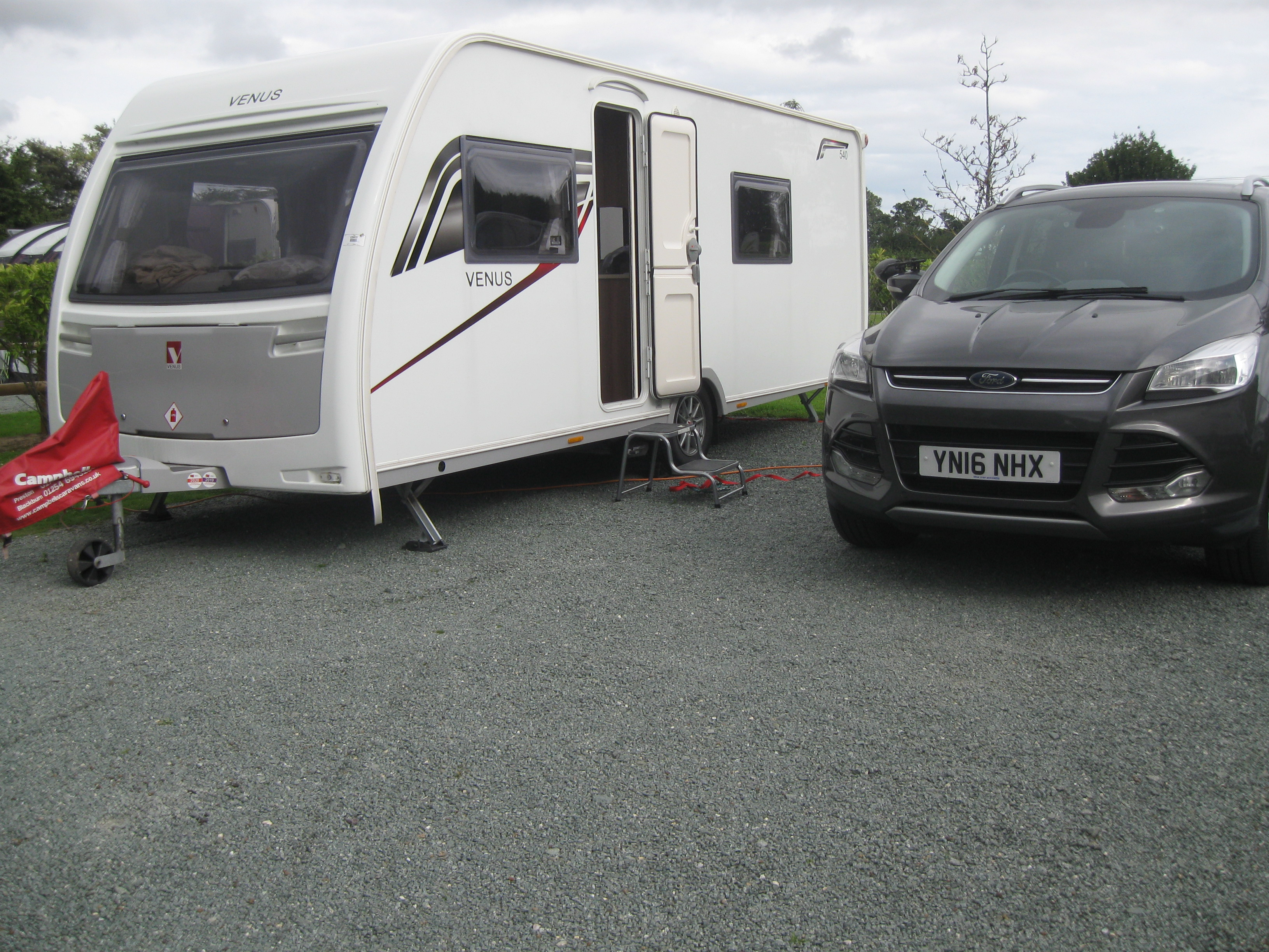 Oxon Hall Caravan Site, Shrewsbury-001.jpg