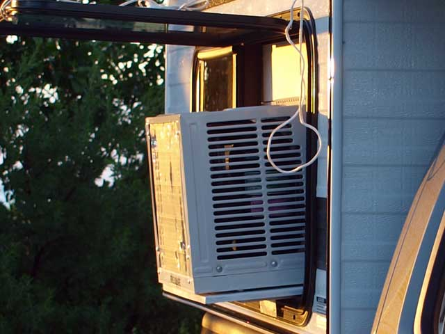 Anyone know of a good air conditioner for tent camping-kamperman-ac-2.jpg