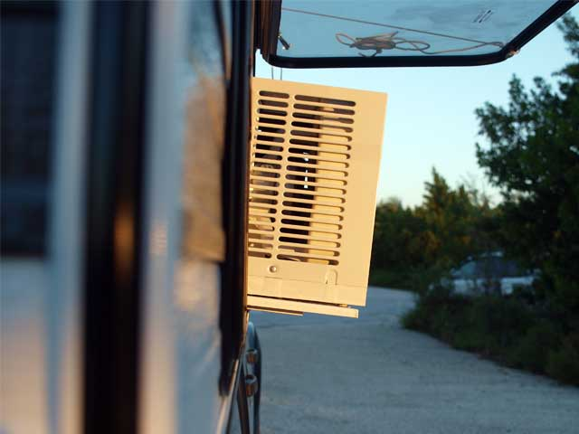 Anyone know of a good air conditioner for tent camping-kamperman-ac-3.jpg