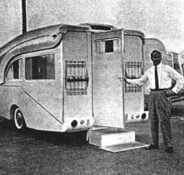 I need help Identifying this classic camper.-odyssey-04.jpg